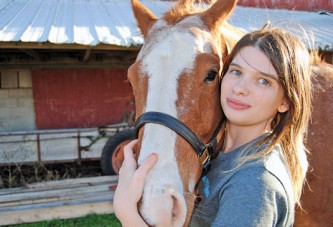 Special bond with horse helps ease pain for Kenton woman