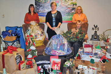 Basket auction highlights annual Christmas Around the Square
