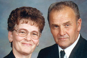 Couple celebrates 50th anniversary