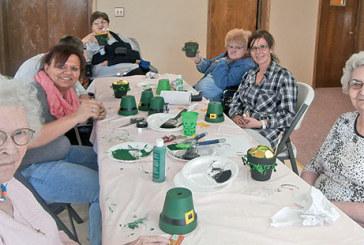 Hardin Hills residents make pots of gold