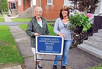 Mount Victory couple honored for home improvements