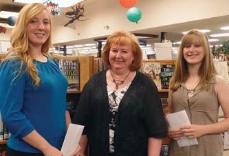 BPW awards scholarships