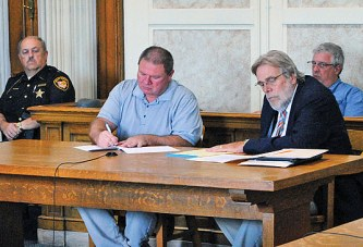 Former bailiff pleads guilty to rape charges