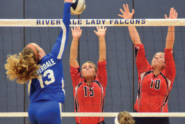 USV edges Riverdale volleyball in five