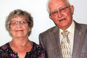 Couple celebrates 60th