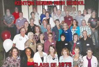 Kenton High School class of '75 reunites