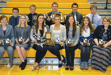 Hardin Northern hands out awards