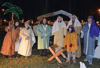 Live nativity at Lake of Lights