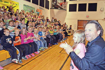 Author encourages HN students