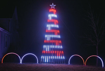 Dola man creates holiday lighting display in honor of his dad