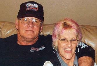 Couple celebrates 40th anniversary