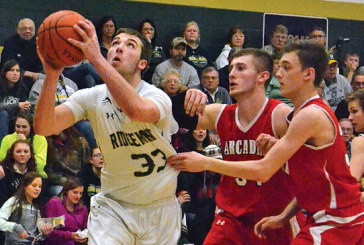 Gophers blow lead, rally for one-point win over Arcadia
