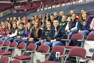 HN FFA at hockey game