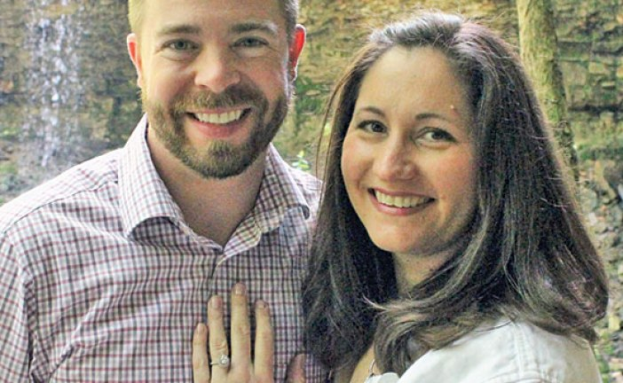 Sharp, Rhoades to wed