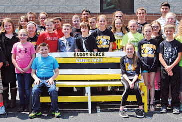 HN fifth-graders create bench to find friends and resolve conflicts