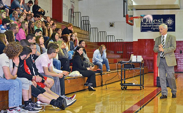 Judge discusses opiate abuse, recovery court program with KHS seniors