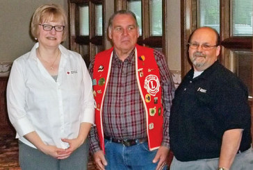 Red Cross officials discuss programs with Kenton Lions