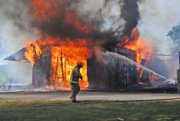 Fire destroys Amish barn