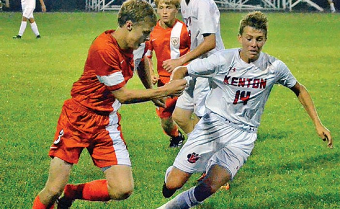 Hoppe scores hat trick in Wildcat win