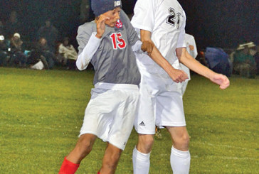 Raiders withstand late push, beat Lakers