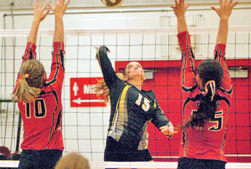 HN sweeps USV in NWCC volleyball