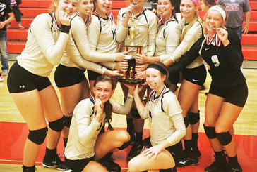 Raiders win volleyball tourney