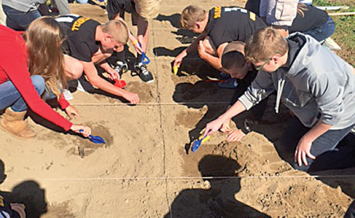 Hardin Northern students dig for 'fossils'