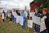 Wilson workers picket for 'fair contract'
