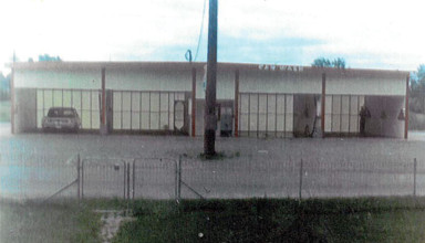 A 1969 photo of the Herzog Car Wash