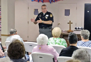 Hardin County Sheriff Keith Everhart speaks to retired teachers