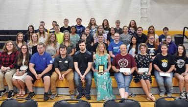 HN seniors honored