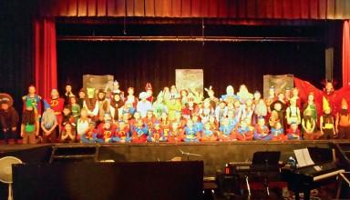 Cast of Shrek the musical