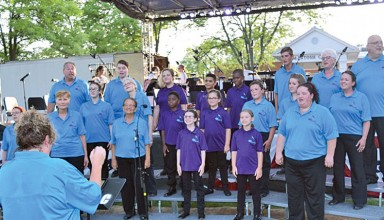 Noteworthy Community Choir performs at Patriotic Pops Concert at ONU